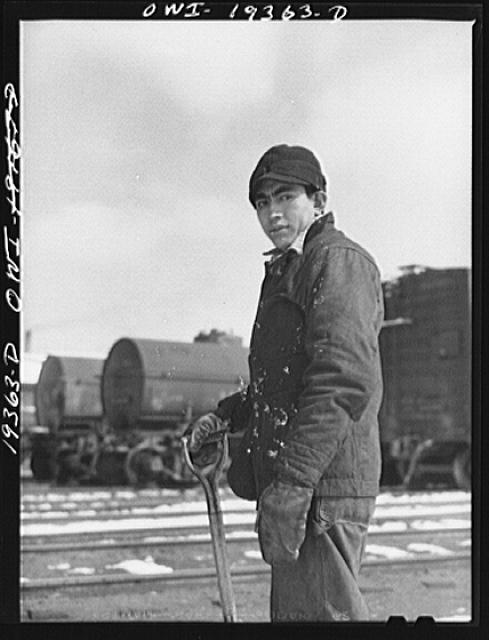 Kansas City, Kansas. Peter Balandran, born in Chihuahua, Mexico, a section worker at the Atchison, Topeka and Santa Fe Railroad yard