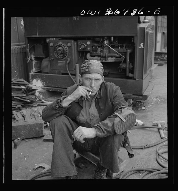 Bethlehem-Fairfield shipyards, Baltimore, Maryland. Welder during the lunch hour
