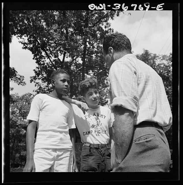 Southfields, New York. Interracial activities at camp Nathan Hale, where children are aided by the Methodist Camp Service. Instructions being given to the campers by Milton Reiner, program director