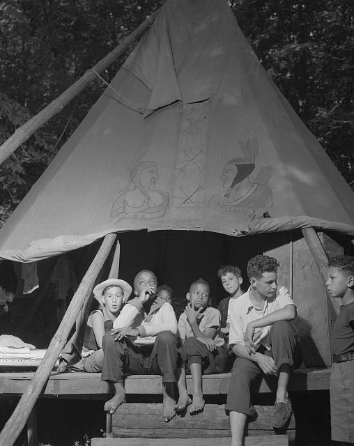 Southfields, New York. Interracial activities at camp Nathan Hale, where children are aided by the Methodist Camp Service. Tent mates