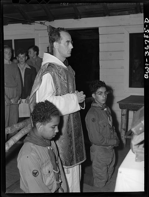 Tusten, New York. Interracial activities at Camp Brooklyn, where children are aided by the Methodist Camp Service. Mass for the Boy Scouts