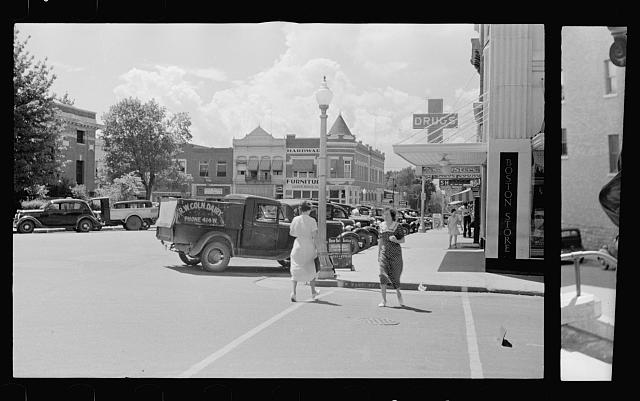 [Untitled photo, possibly related to: Scene at Fayetteville, Arkansas]