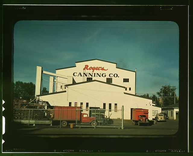 Canning plant where peas are principal project, Milton-Freewater, Oregon