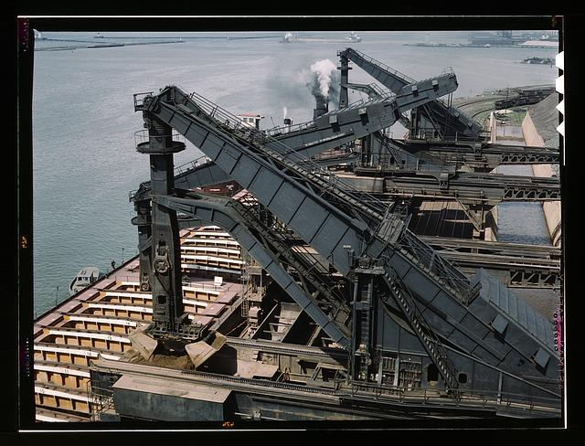 "Pennsylvania R.R. ore docks, unloading ore from a lake freighter by means of ""Hulett"" unloaders, Cleveland, Ohio"