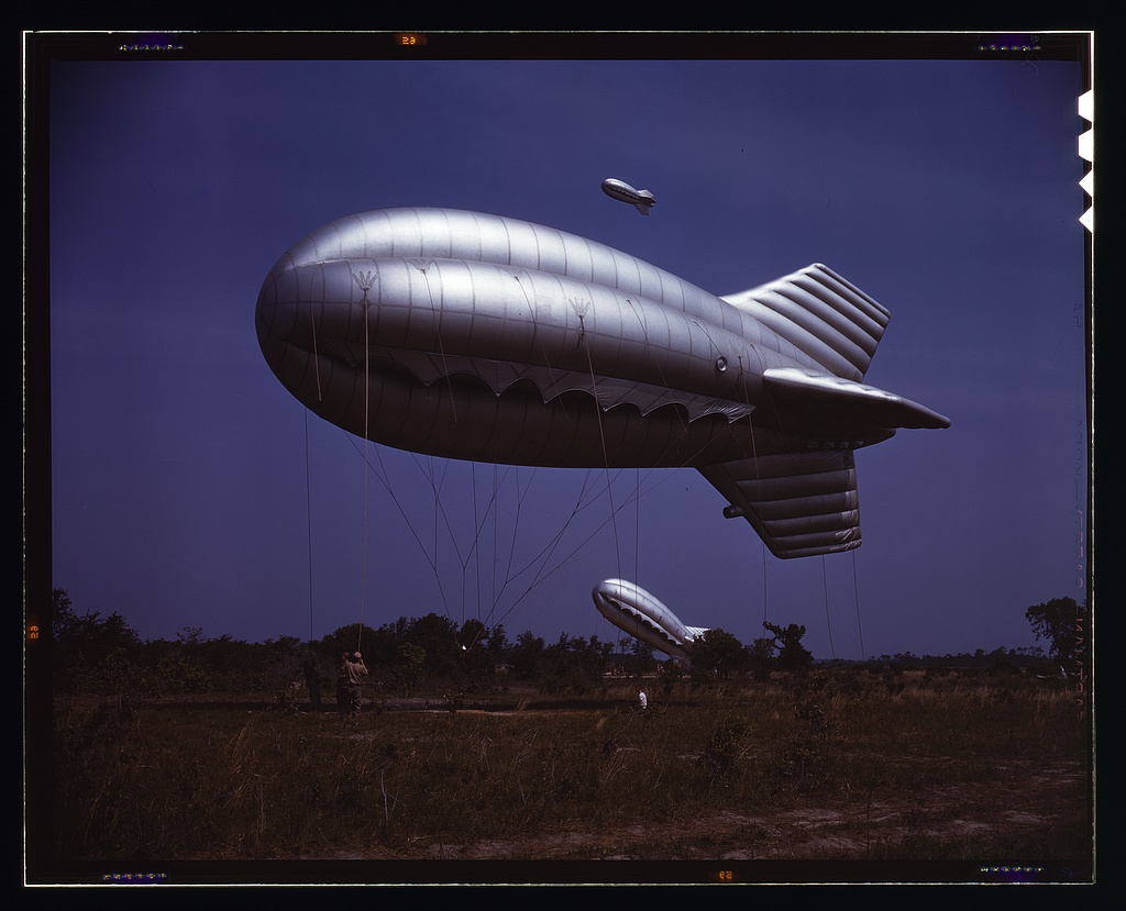 british barrage balloon, WWII era