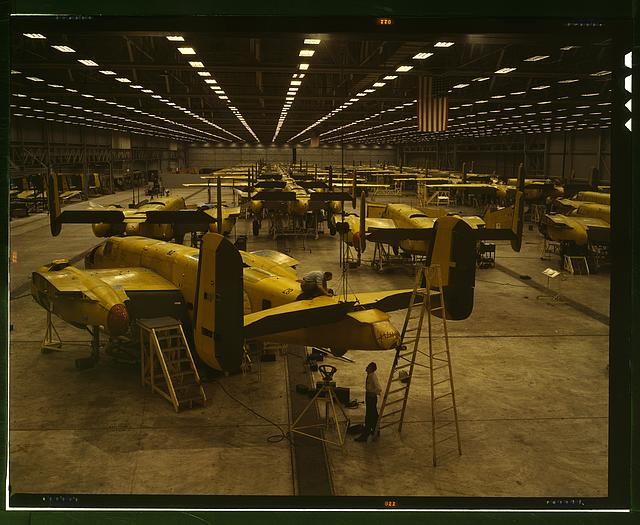Assembling B-25 bombers at North American Aviation, Kansas City, Kan[sas]