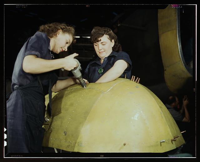 "Working on a ""Vengeance"" dive bomber, Vultee [Aircraft Inc.], Nashville, Tennessee"