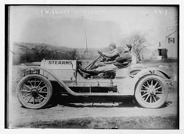 "Briarcliff Auto Race - F.W. Leland in his auto ""Stearns"""