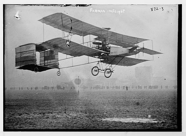 Farman flying machine, in flight