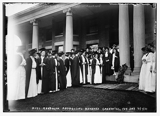 Miss Randolph addressing Barnard Grads, Ivy Day, 1911