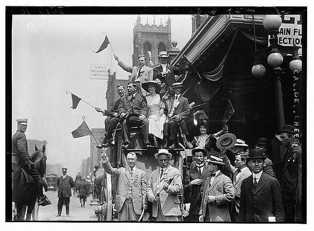 [California delegates cheering on stagecoach at the 1912 Republican National Convention held at the Chicago Coliseum, Chicago, Illinois, June 18-22, 1912]