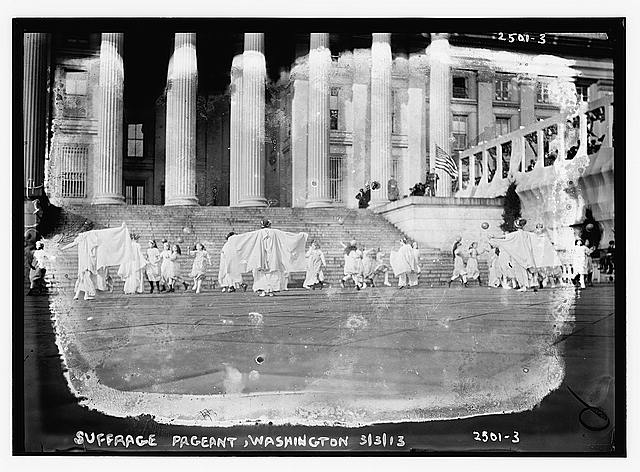 Suffrage pageant - Washington, 1913