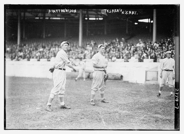[Christy Mathewson & Jeff Tesreau, New York NL, at Polo Grounds (baseball)]