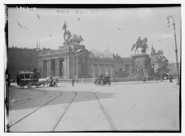 [Brandenburg Gate. Berlin]
