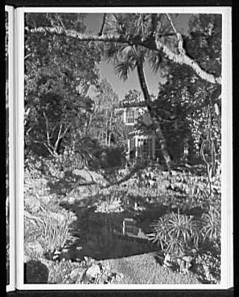 Palm Beach residence. Robert D. Huntington, residence on Travellers Way, house over pool