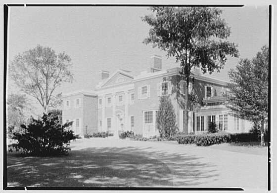 Roy D. Chapin, residence at 447 Lake Shore, Grosse Pointe Farms, Michigan. Entrance facade, side from right