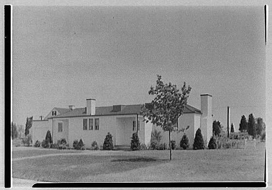 Lifehouse no. 3, Harbour Green, Massapequa, Long Island. General view from right