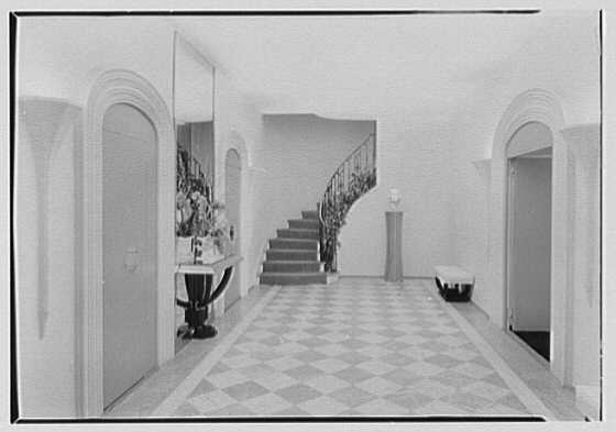 William Burden, Jr., residence at 10 Gracie Sq., New York City. Gallery, to staircase