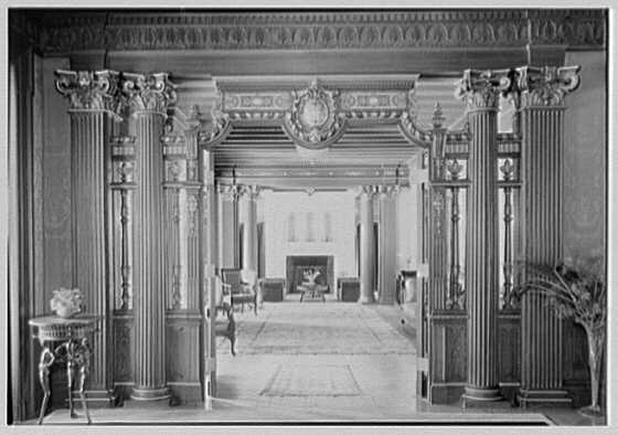 Miss Gill's School, Bernardsville, New Jersey. Gallery, to living room