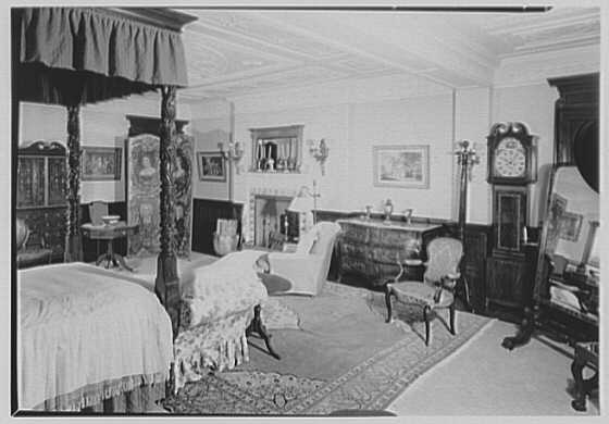 Mrs. J.L. Van Alen (Bruguiere), residence in Wakehurst, Newport, Rhode Island. Mahogany bedroom I