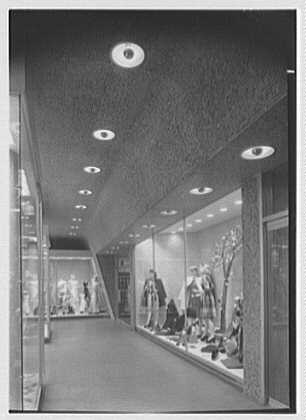Robinson, business at 1020 Market St., Philadelphia, Pennsylvania. Entrance, lobby