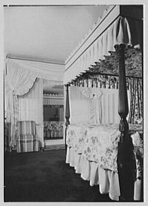 Mrs. Theo Greeff, residence at 30 Sutton Pl., New York City. Bed
