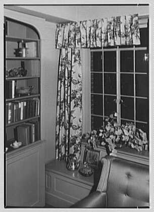 Hilda Kassell, residence at 50 E. 10th St., New York City. Display detail II