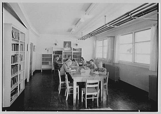 Viewpoint School, Amenia, New York. Library I