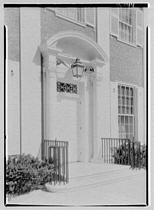 Roy D. Chapin, residence at 447 Lake Shore, Grosse Pointe Farms, Michigan. Entrance facade, entrance detail, close-up