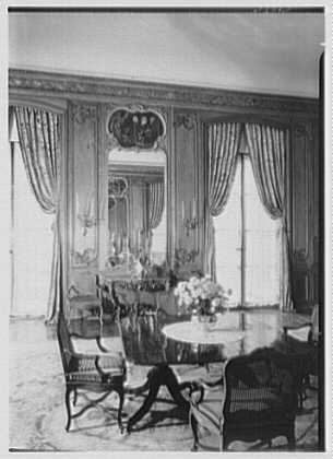Dr. and Mrs. A. Hamilton Rice, residence at 901 5th Ave., New York City. Dining room III