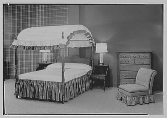 Statton Modern, John Wanamaker's, business in Great Neck. Canopy bed