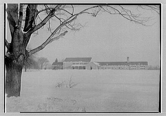 Quaker Ridge Elementary School, Weaver St., Scarsdale, New York. Exterior from main road