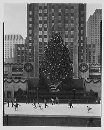 Rockefeller Center. Skaters and Christmas tree