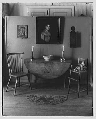 Mrs. Lawrence J. Ullman, business on Prospect Ave., Tarrytown, New York. Queen Anne table group