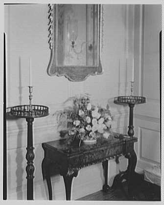 Williamsburg, Virginia, Governor's Palace. Parlor arrangement