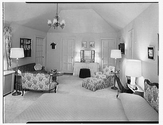 Mr. and Mrs. V. Theo. Low, residence on Hickory Kingdom Rd., Bedford Village, New York. Master bedroom III