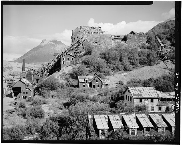2.  OVERVIEW FROM SOUTH, BOARDING HOUSE IN FOREGROUND - Kennecott Copper Corporation, On Copper River & Northwestern Railroad, Kennicott, Valdez-Cordova Census Area, AK