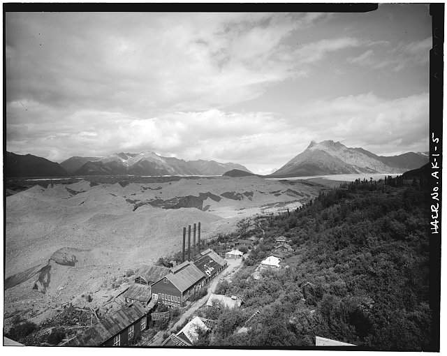 5.  POWER PLANT AND COTTAGES, LOOKING NORTHWEST - Kennecott Copper Corporation, On Copper River & Northwestern Railroad, Kennicott, Valdez-Cordova Census Area, AK