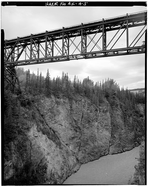 5.  MIDSECTION OF BRIDGE, SHOWING EYEBAR CONNECTION - Kuskalana Bridge, Mile 146 of Copper River & Northwestern Road, Chitina, Valdez-Cordova Census Area, AK