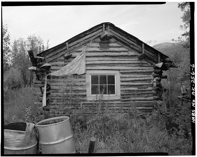 6.  REAR OF CABIN, LOOKING SOUTH - Vincent Knorr Homestead, Koyukuk River at Wiseman Creek, Bettles Vicinity, Wiseman, Yukon-Koyukuk Census Area, AK