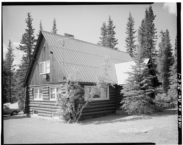 1.  FRONT CORNER, LOOKING SOUTHWEST - Mount McKinley Headquarters, Superintendent's Residence, Cantwell, Denali Borough, AK