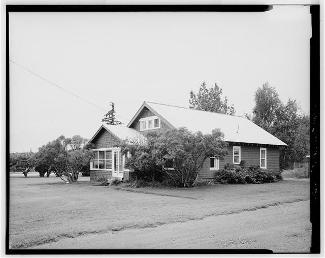2.  FRONT AND SIDE - Agricultural Experiment Station, Kodiak Cottage, Matanuska Trunk Road, Palmer, Matanuska-Susitna Borough, AK