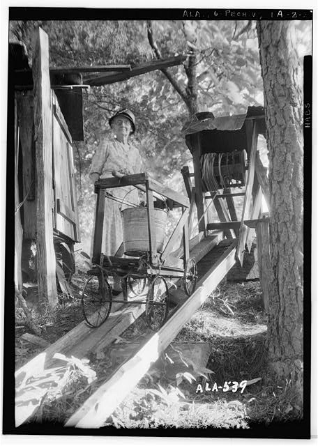 5.  Historic American Buildings Survey W. N. Manning, Photographer, July 17, 1935. FINISH OF RAIL ROAD AT TOP OF HILL - Octavia Adkinson House, Wilson Road, Peachburg, Bullock County, AL