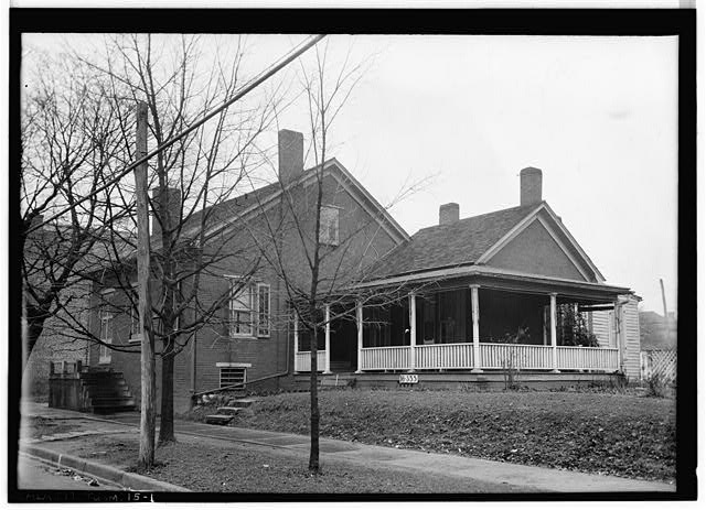 1.  Historic American Buildings Survey W. N. Manning, Photographer, Feb. 3, 1934. GENERAL FRONT VIEW. - Newsome-Minor House, 204 North Main Street, Tuscumbia, Colbert County, AL
