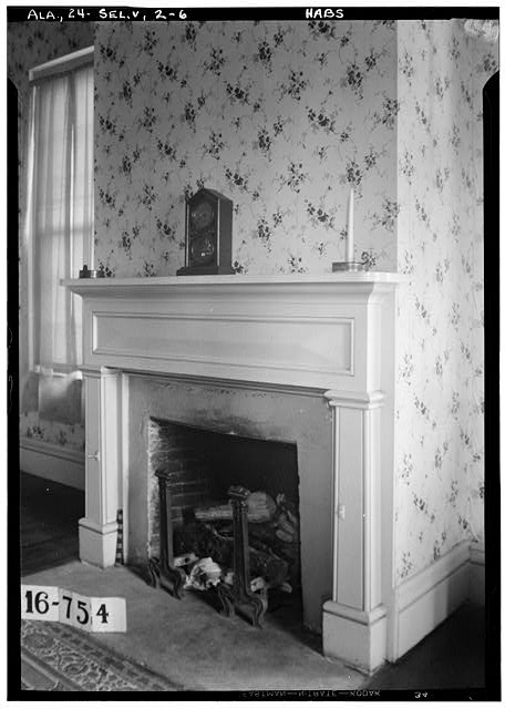 6.  Historic American Buildings Survey W. N. Manning, Photographer, March 17, 1934. FIREPLACE AND MANTEL (BEDROOM) - Doctor Harper House, State Highway 219 & County Road 344, Selma, Dallas County, AL