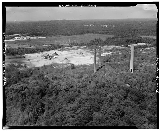 AERIAL OVERVIEW, LOOKING NORTHWEST WITH VULCAN MATERIALS COMPANY QUARRY. - Woodward Coal & Iron Company Furnace, Opossum Creek vicinity, Woodward, Jefferson County, AL