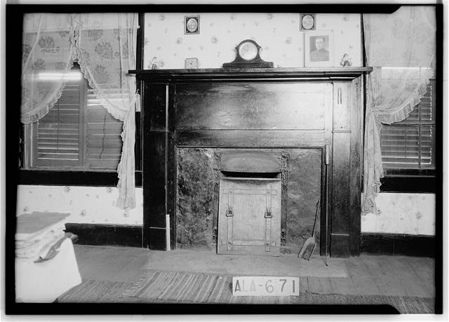 6.  Historic American Buildings Survey W. N. Manning, Photographer, March 29, 1935 MANTEL IN S.E. BED ROOM - Dixon H. Lewis House, State Highway 97 (County Road 29), Lowndesboro, Lowndes County, AL