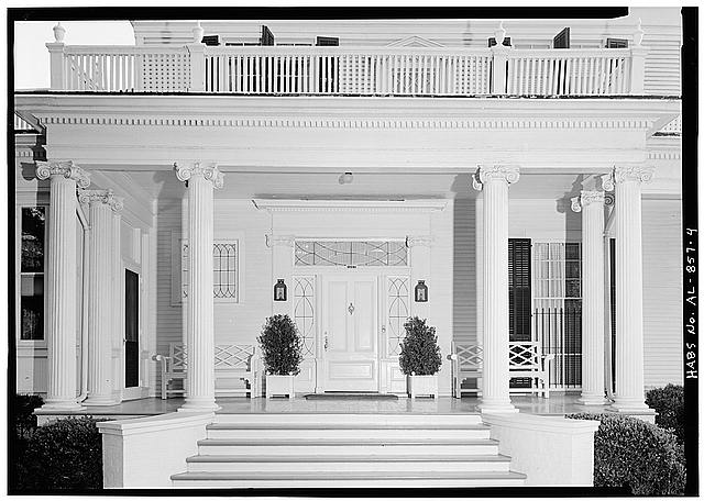 4.  DETAIL OF NORTH (FRONT) ENTRANCE - Schley-Rutherford House, 1263 Selma Street, Mobile, Mobile County, AL