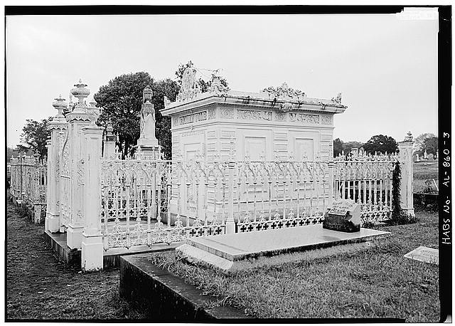 3.  GENERAL VIEW OF FRONT AND SIDE OF TOMB, SHOWING CAST-IRON FENCE - Slatter Family Tomb, Magnolia Cemetery, Virginia Street, Mobile, Mobile County, AL