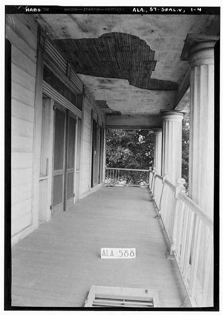 4.  Historic American Buildings Survey W. N. Manning, Photographer, July 18, 1935 VIEW ON BALCONY TOWARD EAST - Bass-Perry House, U.S. Highway 431, Seale, Russell County, AL